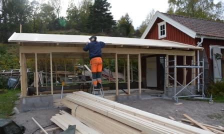 Taket är på gång